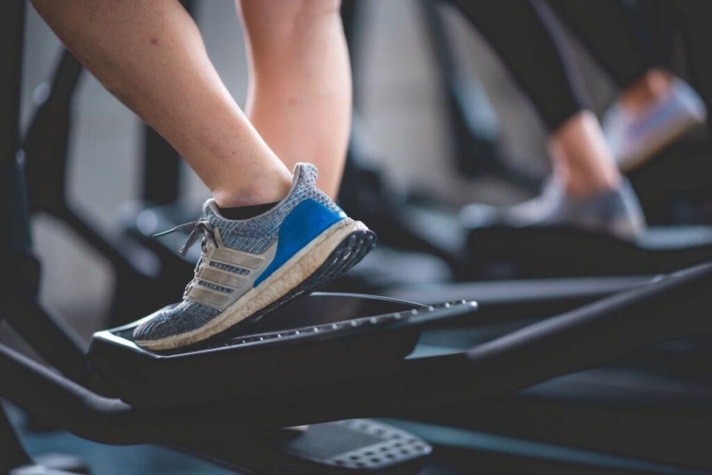 Hacer ejercicio al menos 4 veces a la semana