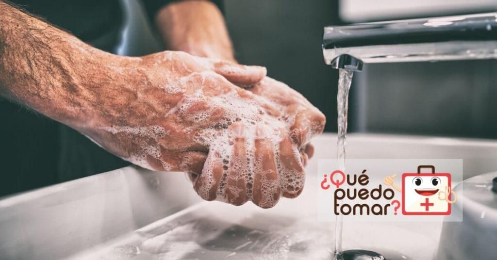 Lavarse las manos antes de comer y después de ir al baño