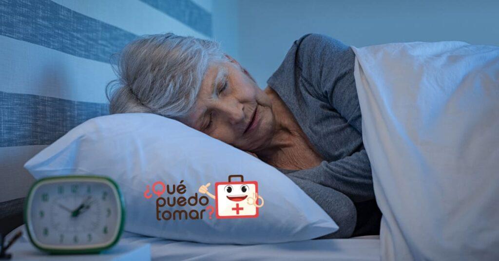 El adulto mayor debe dormir entre 7 a 8 horas diarias
